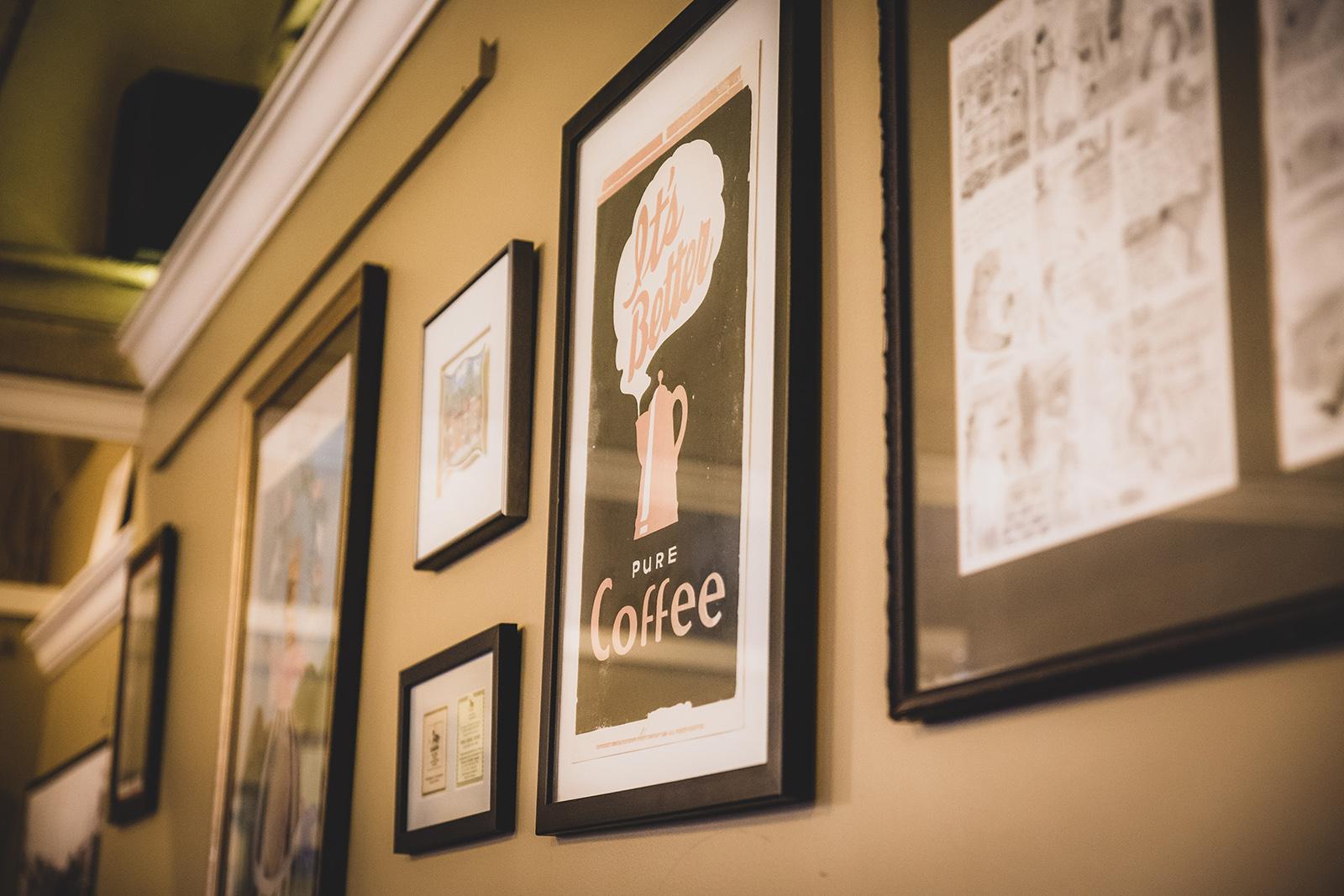 CafeWall